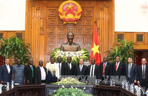Vietnam et Tanzanie souhaitent porter le commerce bilateral a un milliard de dollars hinh anh 1