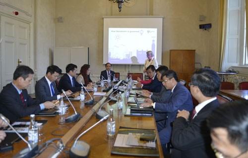 Hanoi promeut sa cooperation avec Stockholm, Oslo et Vienne hinh anh 1