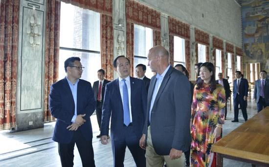 Hanoi promeut sa cooperation avec Stockholm, Oslo et Vienne hinh anh 2