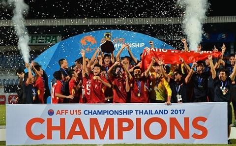 Football : la jeunesse prend le pouvoir hinh anh 1