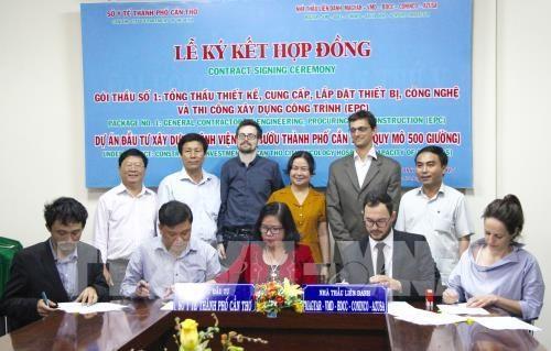 Signature de l'enveloppe No.1 du projet de construction de l'Hopital d'oncologie de Can Tho hinh anh 1