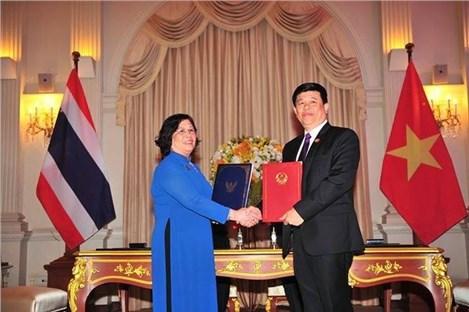 Les travailleurs vietnamiens auront plus d'opportunites en Thailande hinh anh 1
