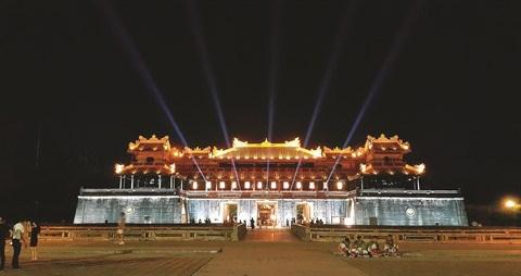 L'ancienne Cite imperiale de Hue revet ses habits de lumiere hinh anh 1