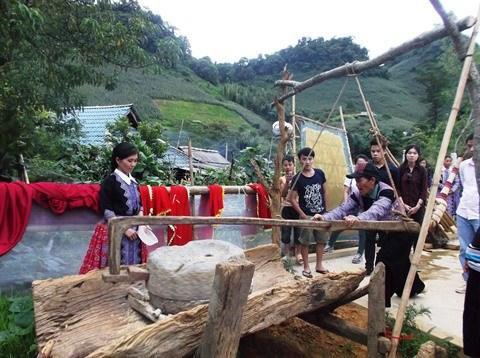 A Son La, immersion dans le village H'mong de Hua Tat hinh anh 2
