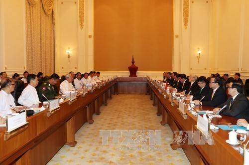 Le Vietnam et le Myanmar signent quatre documents de cooperation hinh anh 1