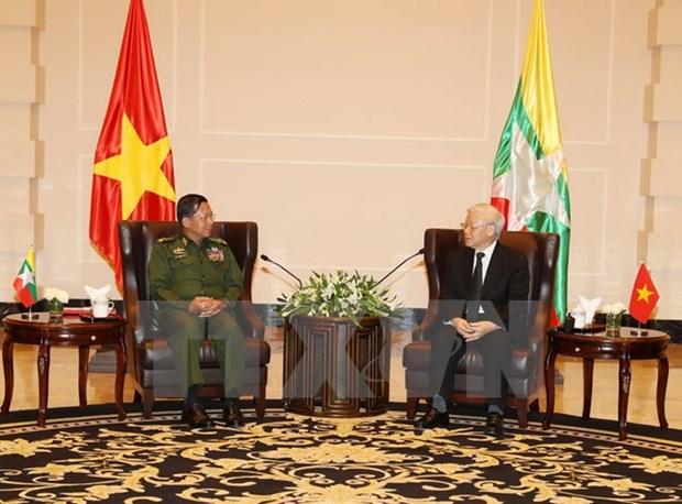 Nguyen Phu Trong recoit le commandant supreme des forces armees birmanes hinh anh 1