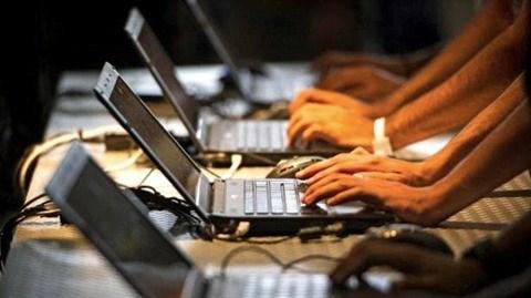 Internet : trois cables sous-marins du Vietnam endommages hinh anh 1