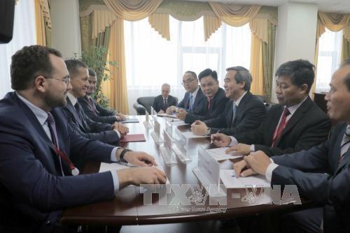 Le Vietnam renforce ses relations avec la region d'Extreme-Orient de Russie hinh anh 1