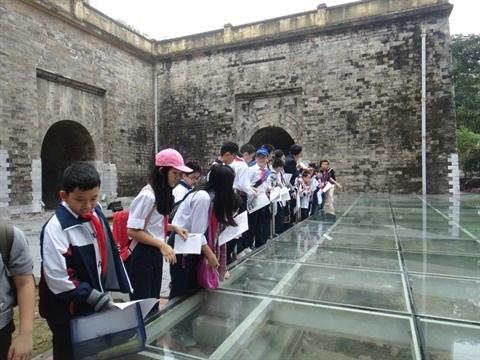 A Hanoi, l'enseignement de l'histoire illustre sur le terrain hinh anh 1