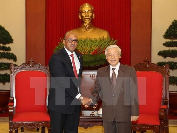 L'ambassadeur cubain s'engage a renforcer ses liens avec le Vietnam hinh anh 1