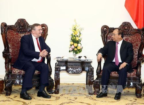 Le PM Nguyen Xuan Phuc salue les liens avec le Japon et la Hongrie hinh anh 2