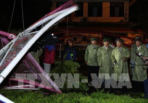 Le PM Nguyen Xuan Phuc dirige le reglement des degats du typhon Doksuri hinh anh 2