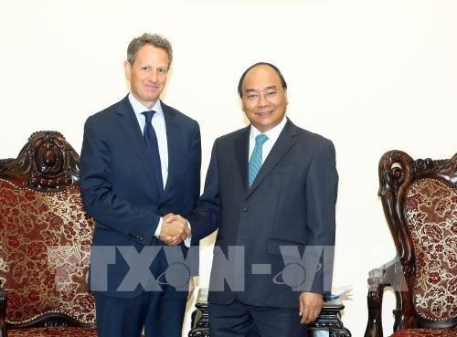 Le PM Nguyen Xuan Phuc recoit le president de Warburg Pincus hinh anh 1