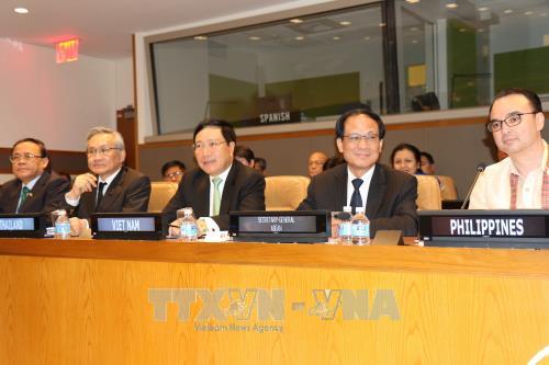Le vice-PM et ministre des AE Pham Binh Minh a l'AMM en marge de la 72e AG de l'ONU hinh anh 1