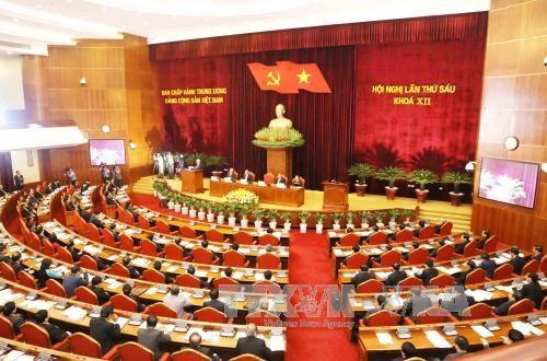 Le Bureau politique reglemente la rotation des cadres hinh anh 1