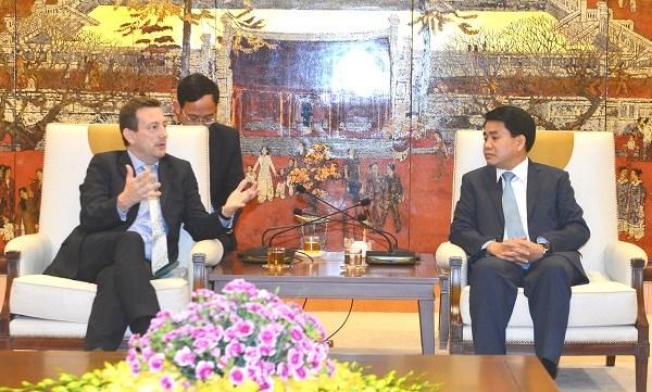 Hanoi estime les projets d'amelioration de la qualite de l'air avec la France hinh anh 1