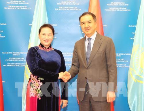 Le Vietnam souhaite resserrer ses relations avec le Kazakhstan hinh anh 1