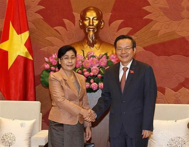 Le vice-president de l'AN Phung Quoc Hien recoit le chef de l'Audit de l'Etat du Laos hinh anh 1
