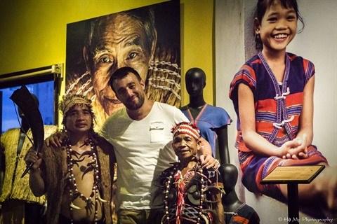 Le photographe francais Rehahn aspire a convier les ethnies du Vietnam hinh anh 1