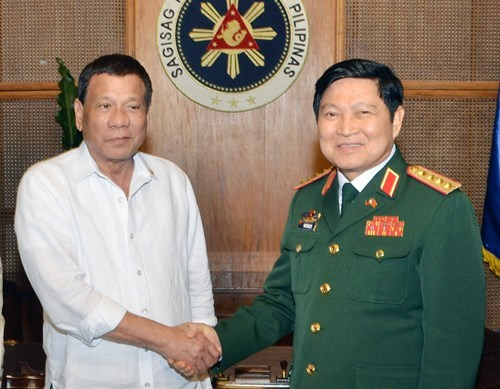 Defense : le Vietnam et les Philippines plaident pour des liens accrus hinh anh 1