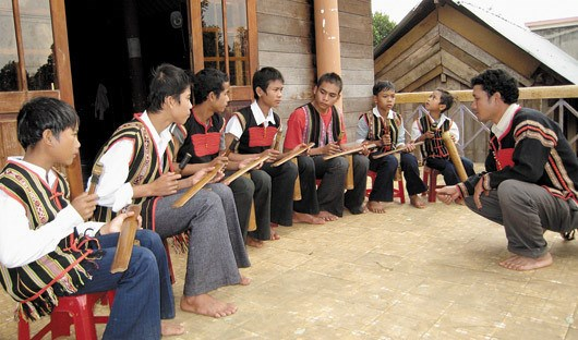 Le ching kram, une innovation musicale des Ede hinh anh 1