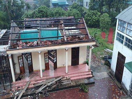 Front de la Patrie du Vietnam : trois milliards de dongs accordes aux sinistres du Centre hinh anh 2