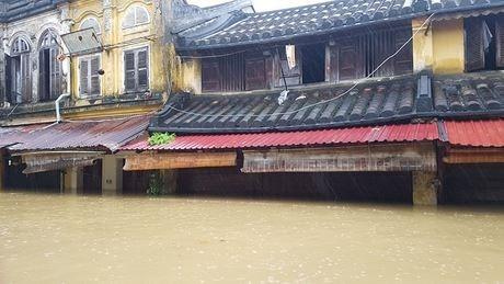 Aide americaine pour le Vietnam a remedier aux consequences du typhon Damrey hinh anh 1