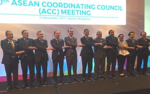 Les ministres discutent des derniers preparatifs pour le 31e Sommet de l'ASEAN hinh anh 1
