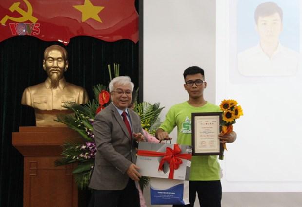 De jeunes reporters en langue de Moliere a l'honneur hinh anh 2
