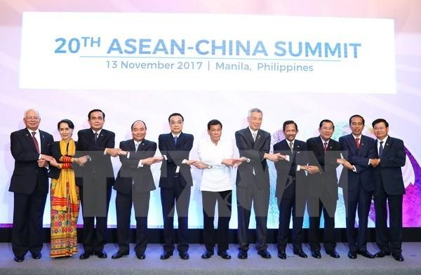 Le PM souhaite que l'ASEAN valorise davantage son role central hinh anh 1