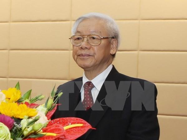 Le chef du Parti inspecte le travail d'entrainement militaire hinh anh 1