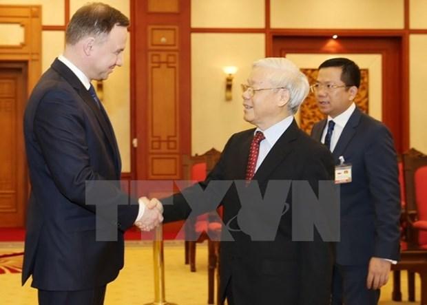 Le secretaire general Nguyen Phu Trong recoit le president polonais hinh anh 1