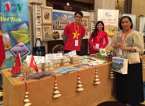 Le Vietnam a la Foire de la charite en Turquie hinh anh 1