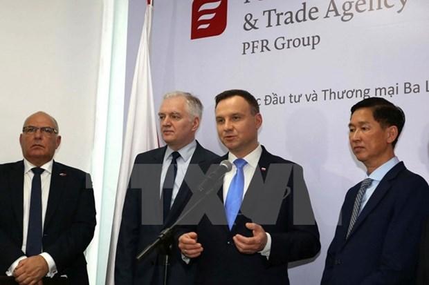 Le president polonais termine sa visite d'Etat au Vietnam hinh anh 2