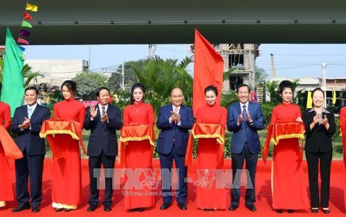 Le PM Nguyen Xuan Phuc affirme les acquis socioeconomiques de 2017 hinh anh 2