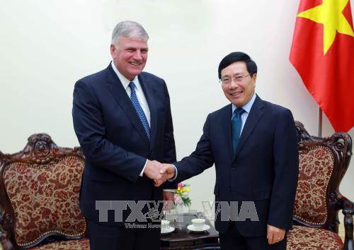 Le vice-PM Pham Binh Minh recoit le president de Samaritan's Purse Intenational Relief hinh anh 1