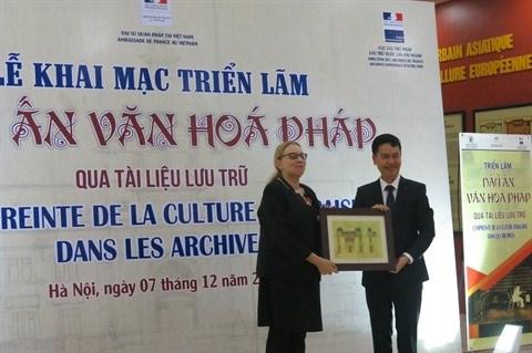 Expo d'archives sur l'empreinte de la culture francaise a Hanoi hinh anh 1