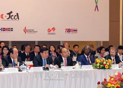 Le PM exhorte les entreprises a evoluer vers une forte valeur ajoutee hinh anh 1