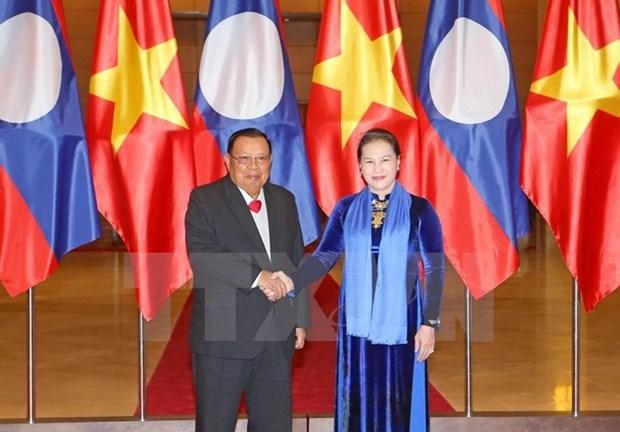 Entrevue entre la presidente de l'AN et le dirigeant laotien Bounnhang Vorachith hinh anh 1