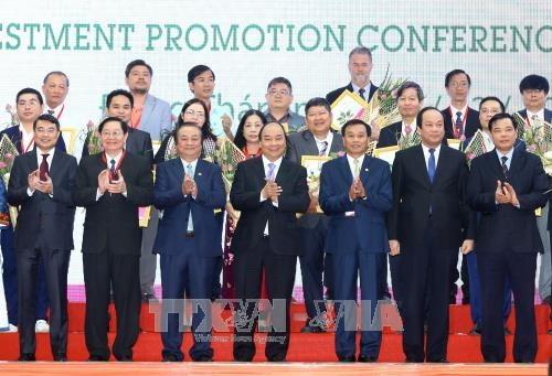 Le Premier ministre Nguyen Xuan Phuc exhorte Dong Thap a promouvoir l'interconnexion hinh anh 2