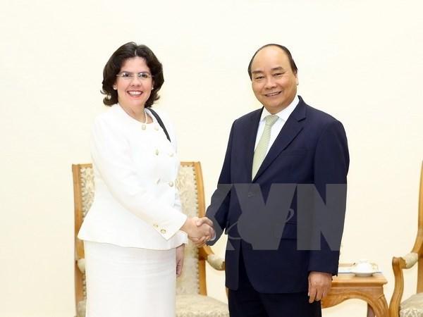 Des dirigeants vietnamiens recoivent Mme l'ambassadeur cubain hinh anh 1