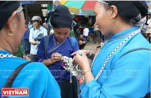 L'orfevre qui se fait une place dans la montagne de Po Ly Ngai hinh anh 3