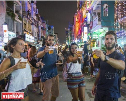 Savoureuse plongee dans la rue Bui Vien a Ho Chi Minh-Ville hinh anh 7