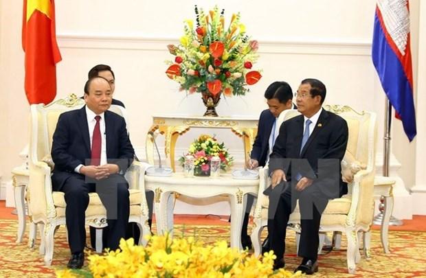 Le Premier ministre rencontre son homologue cambodgien hinh anh 1