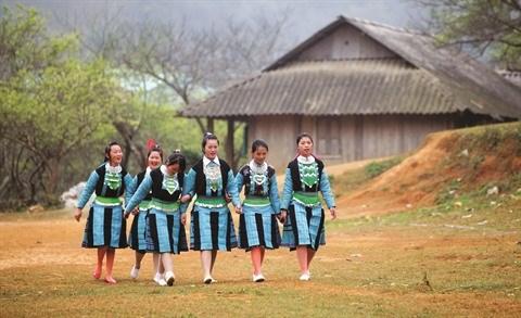 L'elegance des costumes traditionnels des femmes H'mong hinh anh 1