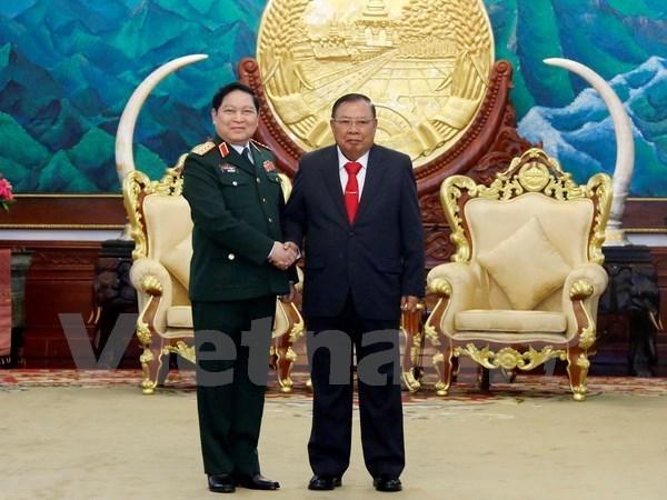 Renforcement des relations Vietnam-Laos dans la defense hinh anh 1