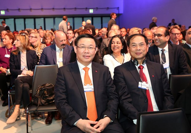 Le vice-PM Vuong Dinh Hue a la 48e conference du FEM hinh anh 1