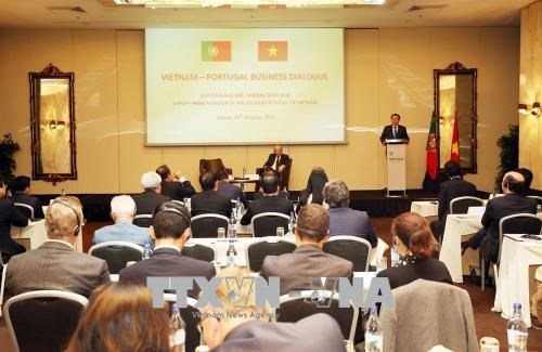 Le vice-PM Vuong Dinh Hue dialogue avec les entreprises portugaises hinh anh 2