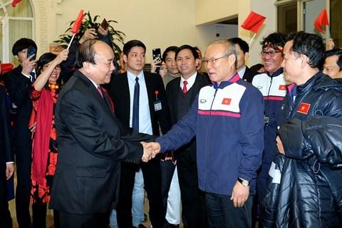 Une joie tellement immense, dit le PM Nguyen Xuan Phuc a l'equipe U23 hinh anh 2