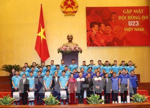 La presidente de l'Assemblee nationale recoit l'equipe U23 hinh anh 2
